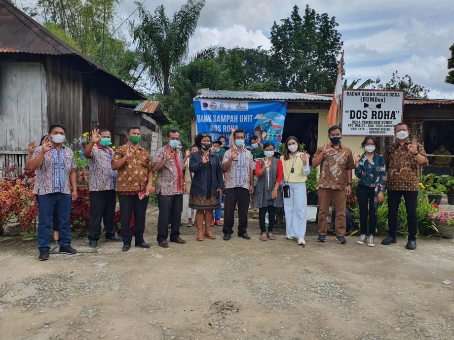 csr kesehatan PTTEP Indonesia Supports Waste Bank Management in Toba Regency