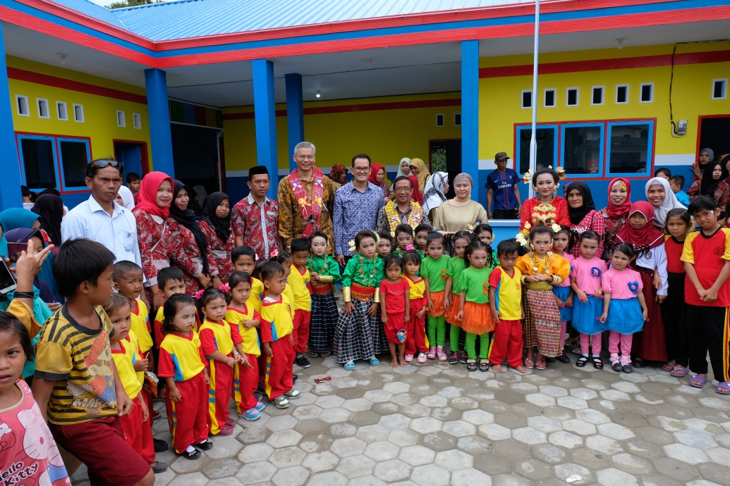 csr kesehatan Opening Ceremony of PTTEP's 14th and 15th SIOLA Centers