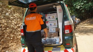 Berita PTTEP Indonesia Care for Flood Victims